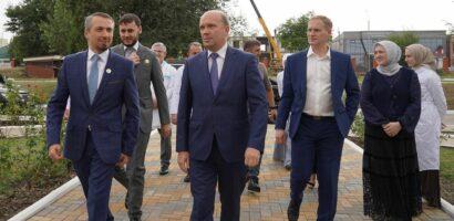 Виссарионов на открытии отделения детской травматологии и ортопедии в городе Грозный в Чечне